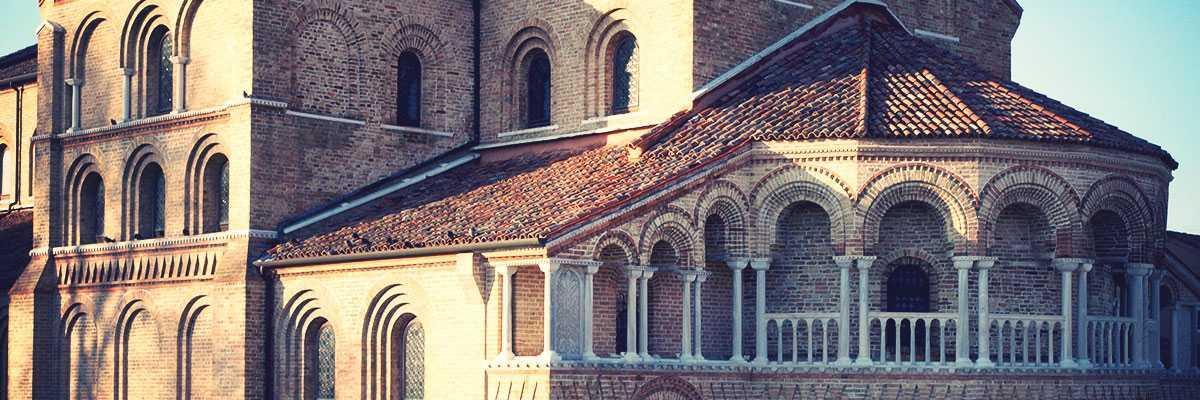 Detail of the Basilica of Saints Maria and Donato in Murano. — (Archive Bazzmann/Venipedia)